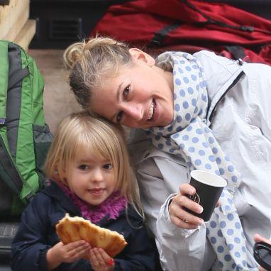 webbabyshower kate and her daughter marseille
