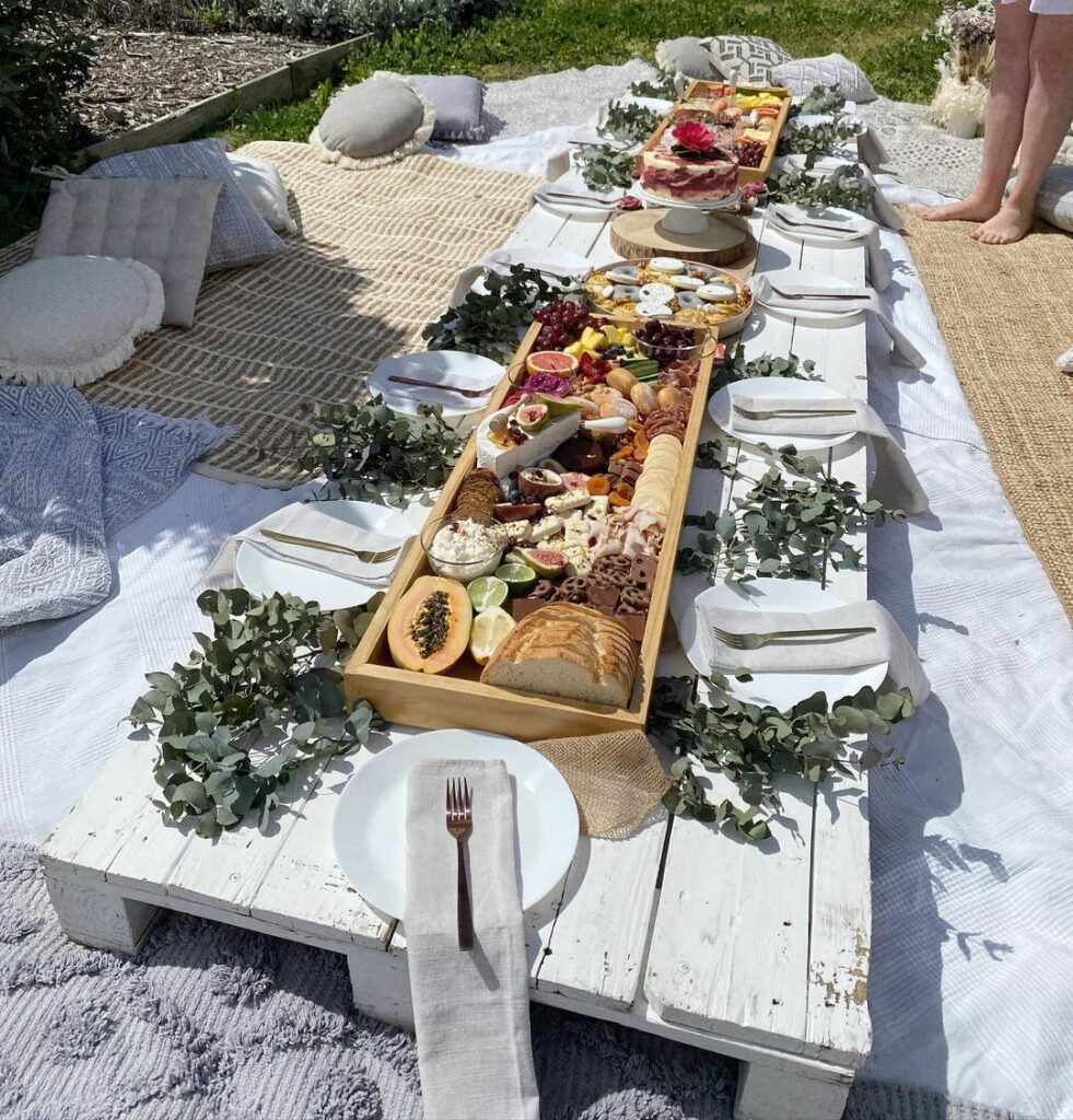 outdoor baby shower picnic